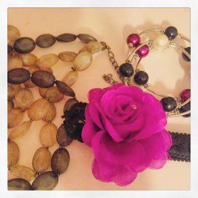 Retro Style Boho Chic meets Pin Up Accessories in Fuchsia, Dark Green and Black