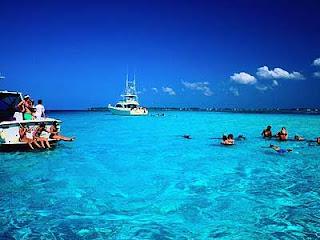 De viajeros por las Islas Cayman 13