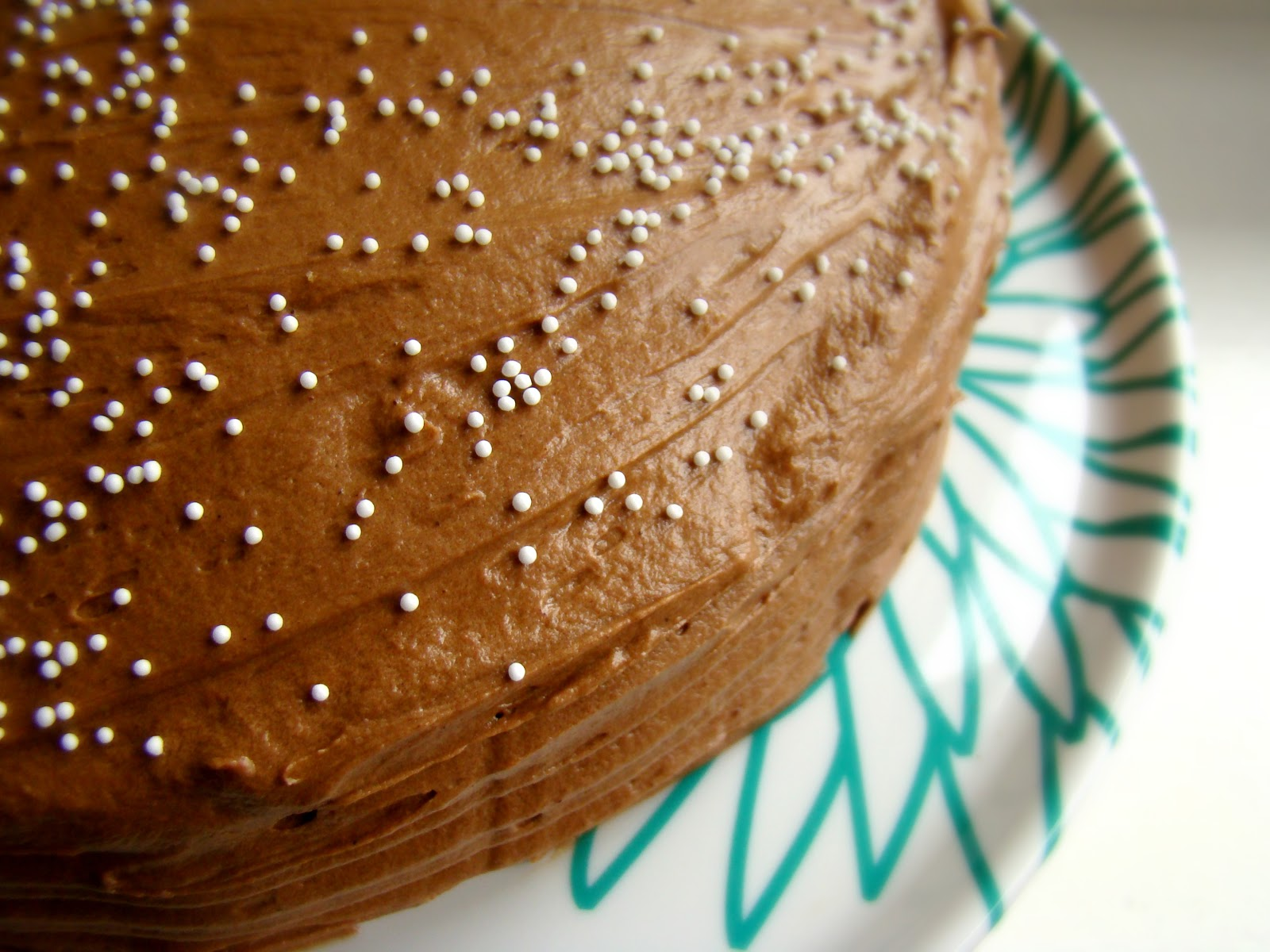 A Third Of The Frosting Was Spread Onto Top Cake And Final Around Edge Sprinkle Lovely