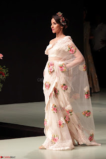 Pallavi Jaikishan Celete 45year In Industry witha beautiful Fashion Show 18.JPG