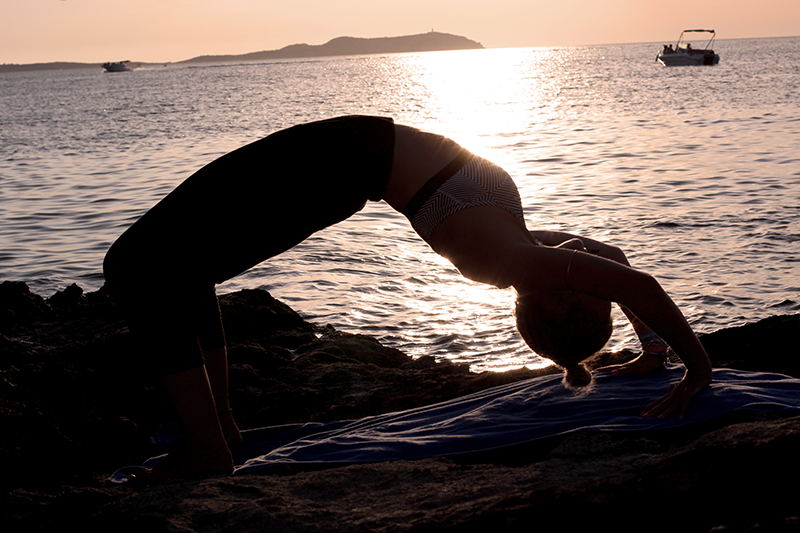 Yoga-Workout-Zalando-Ibiza-Sundowner-Yoga Workout-Fitness-Workout-Active-Clothes-Fashionblog-Fitnessblog-Modeblog-Lauralamode