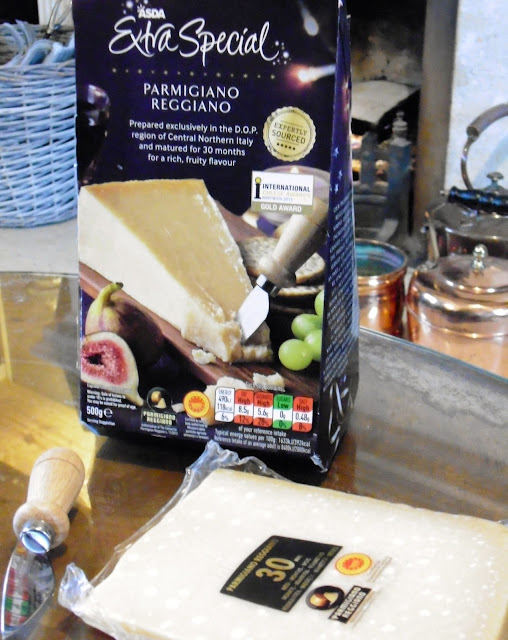 Asda Extra Special parmesan set with knife