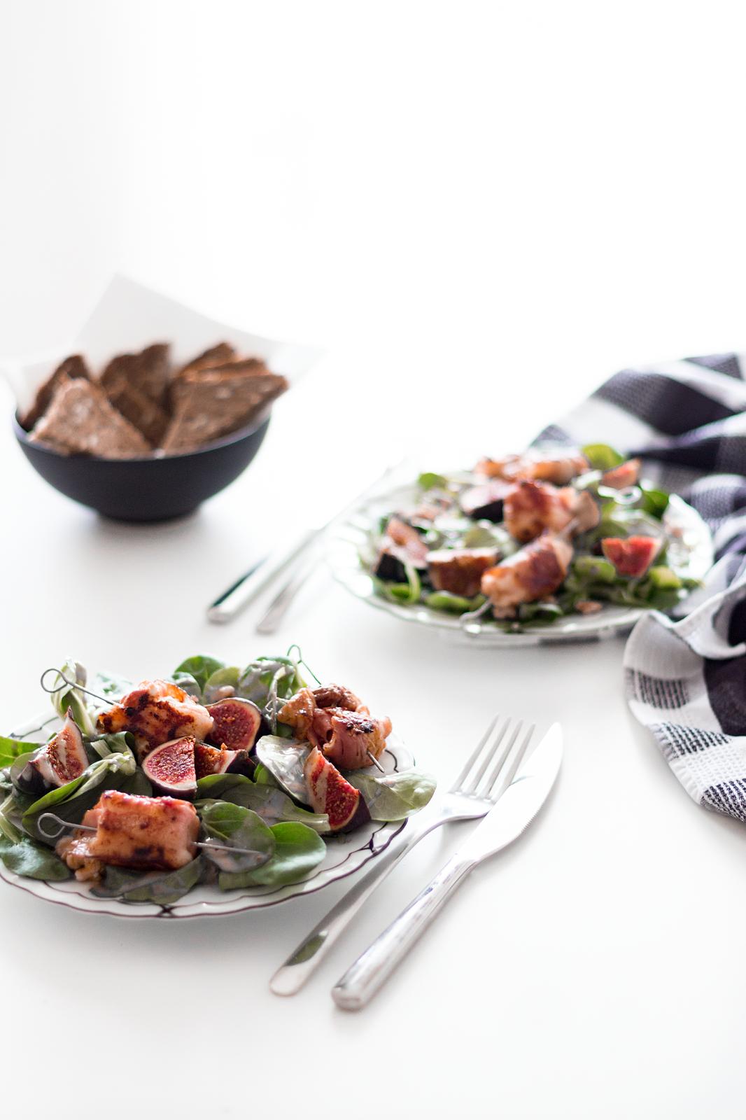Rezept | Herbstlicher Salat mit Feige, Maronen und Ziegenkäse im Speckmantel | www.sparklyinspiration.com