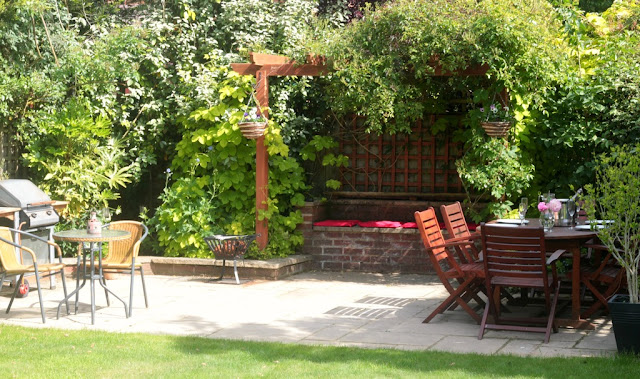 garden makeover for entertaining