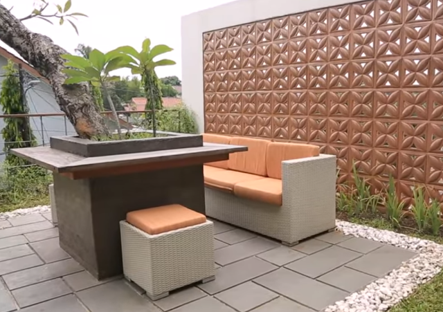 Ruangan outdoor