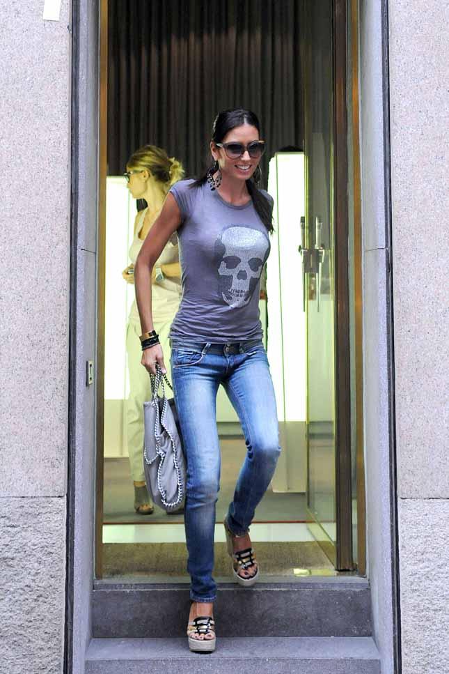 Calendario Di Elisabetta Gregoraci.Celeb68 Elisabetta Gregoraci Foto Shopping Di Scarpe A
