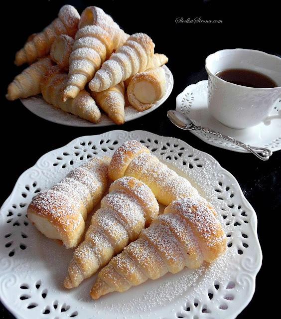Rożki Francuskie z Kremem Budyniowym (Rurki z Kremem Budyniowym) - Przepis - Słodka Strona