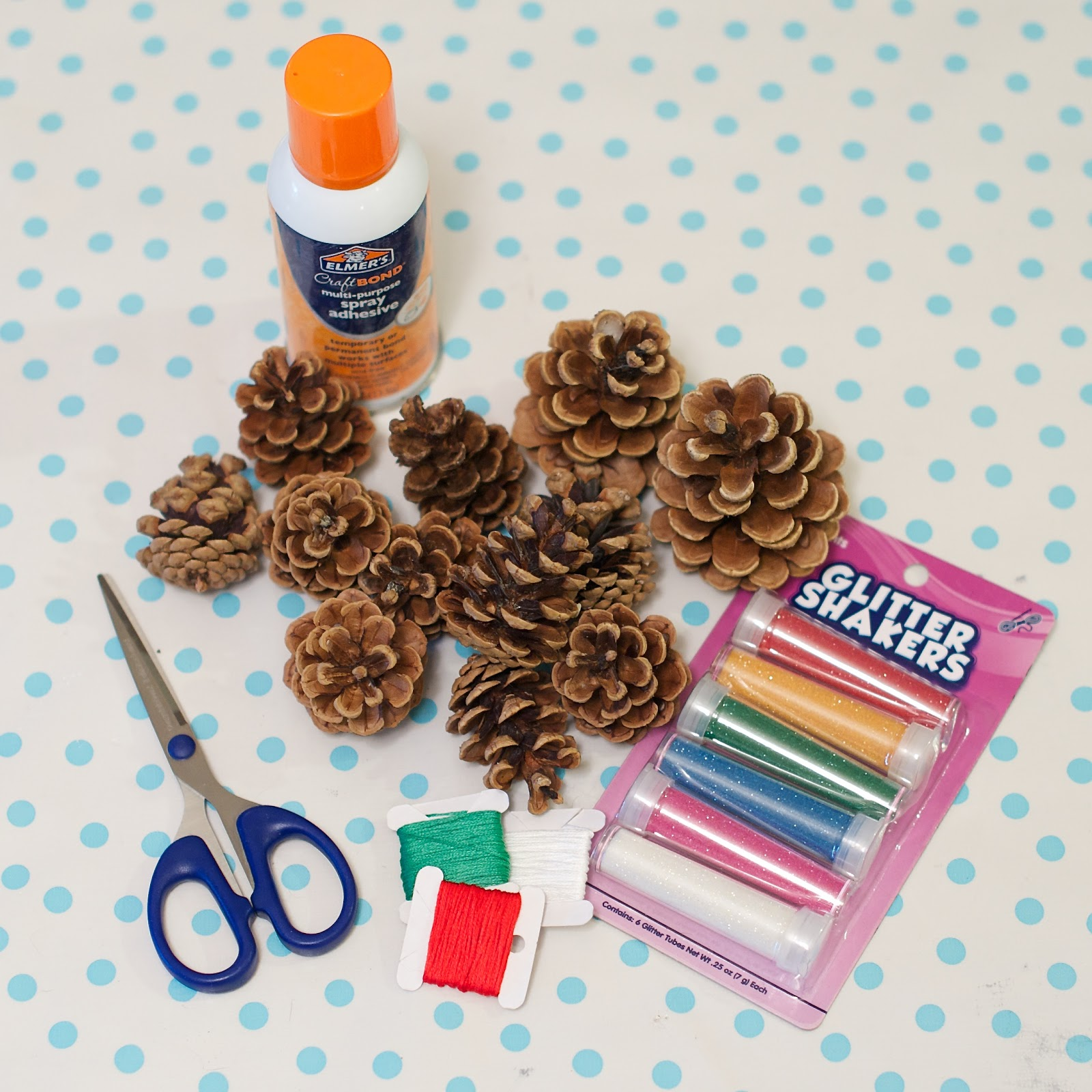 Life At The Condo: Holiday Crafts: Pine Cone Ornaments