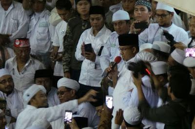 Allahu Akbar... Habib Rizieq, Prabowo, Anies dan Bachtiar Nasir Sujud Syukur di Masjid Istiqlal
