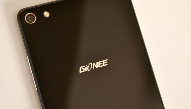 Gionee W909, Smartphone Flip dengan RAM 4GB dan 16MP HD Kamera