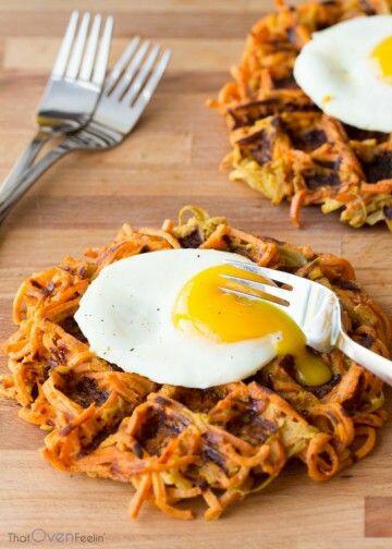 Bahan utama waffle ini adalah ubi manis, tidak menggunakan tepung terigu. Jadi bagus untuk vegetarian atau yang sedang diet.