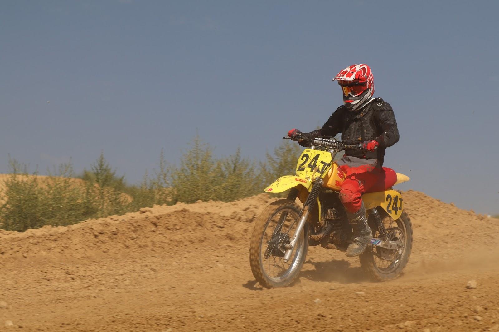 Oldmotodude suzuki rm 24j raced at the rocky mountain for Rocky mountain motor sports