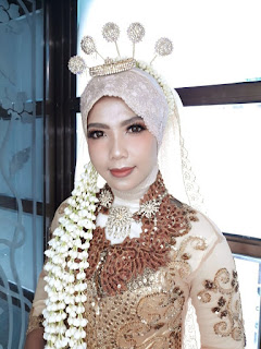 Rias manten muslim tradisional