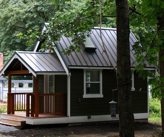 An American Housewife Tiny House Movement