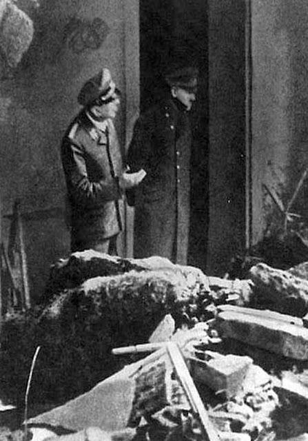 Adolf Hitler final photo, Third Reich graves worldwartwo.filminspector.com