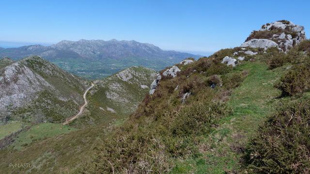 Majada la Muezca y Sierra del Sueve al fondo