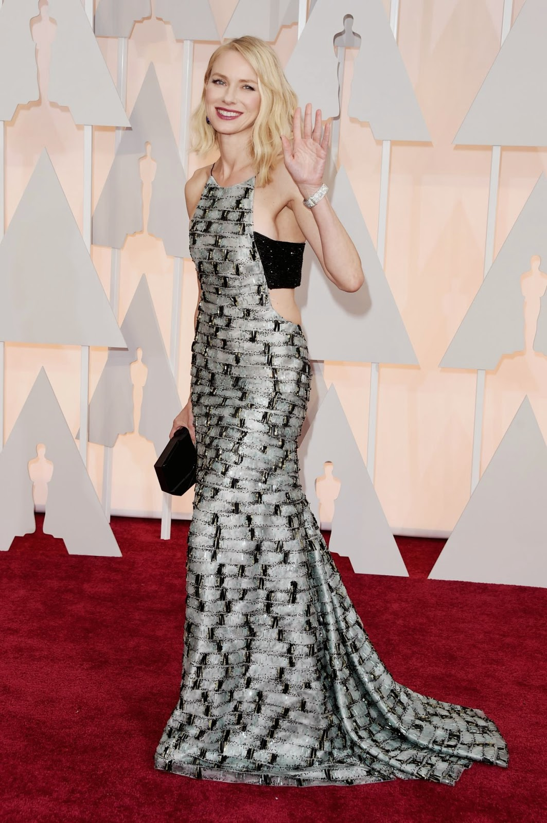 Naomi Watts flaunts an Armani Prive dress at the 2015 Oscars in Hollywood