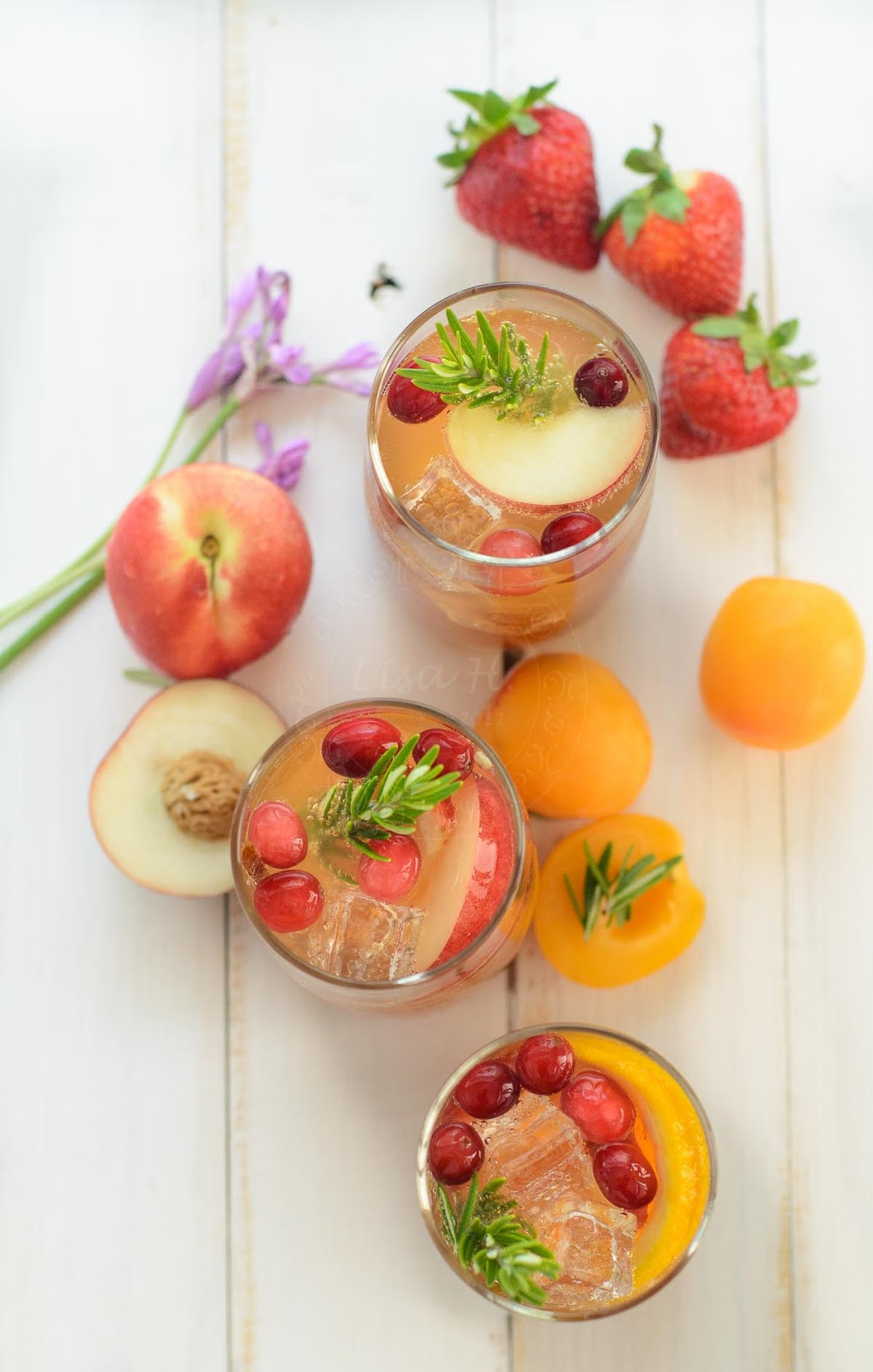 Non-alcoholic Sangria recipe with summer fruits