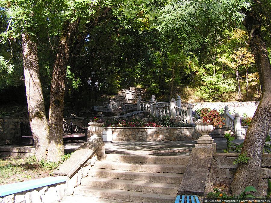 Лестничный каскад в железноводском курортном парке
