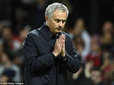 Jose Mourinho apologizes to fans for Man U's 4-0 trashing by Chelsea (Photos)