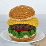 http://www.jenniferq.com/home/foodiecrochetburger/