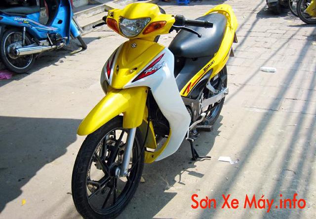 Sơn xe Xipo RGX 2003 màu trắng vàng cực đẹp