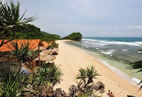 Kabupaten Gunungkidul sangat populer dengan pantai Pantai Indrayanti Gunung kidul, Wisata Pantai Jogja Bernuansa Bali