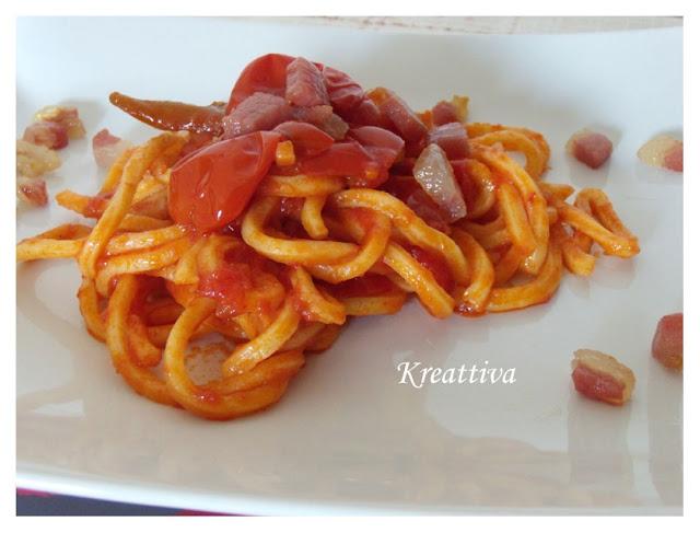 Troccoli ai pomodorini con peperoncino e guanciale