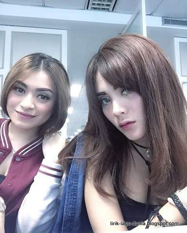 Duo D'Dolls