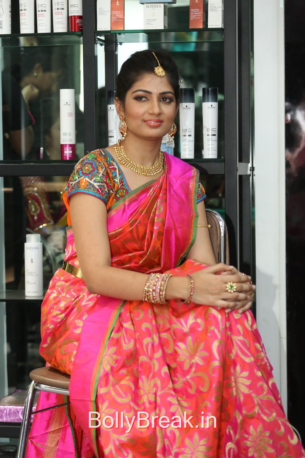 Tollywood Actress Akanksha, Akanksha Hot Pics from Bridal Dream Make up At Lakme Salon