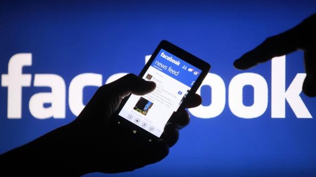 Facebook debe pagar 100.000 euros por violar derechos del consumidor