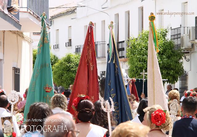 Banderas cofradía Virgen de la Cabeza Lopera