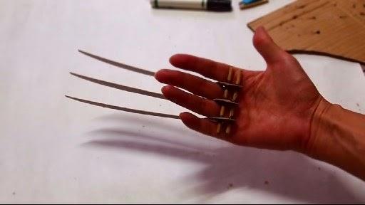 Dali Lomo X Men Wolverine Prop Claws Cardboard Diy