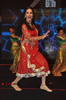 Bollywood Actress Model Sunny Leone Dance Performance in Red Half Saree at Rogue Audio Launch 13 March 2017  0140.jpg