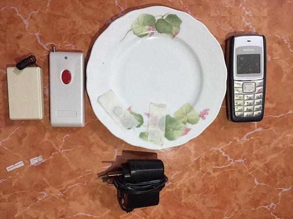 điện thoại dùng bát đĩa hình