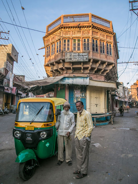 morning street photo bikaner rajasthan