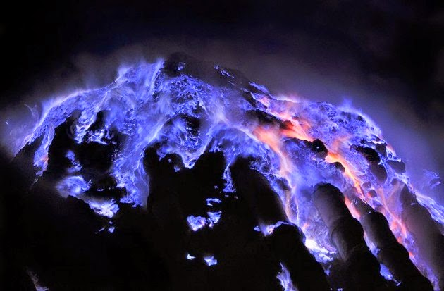 Api Biru Kawah Ijen