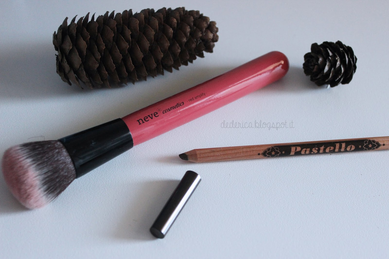 Neve Cosmetics Red Amplify Brush - Ego Pastello Occhi