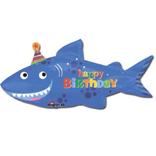 Фольгированный шар с акулой