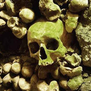 Catacombes Paris Crâne