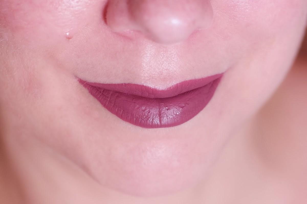 flüssiger Lippenstift in Mauve
