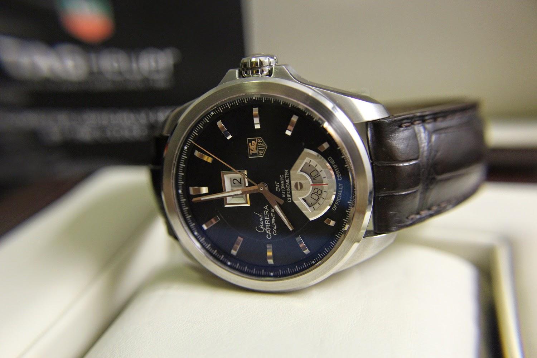 Механизмы часов tag heuer grand carrera такие как calibre 6, 8 и 17 работают с частотой полуколебаний в час или 4гц, в то время как calibre 36 работает с частотой полуколебаний в час или 5гц.