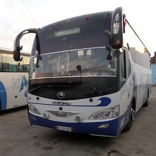 Kuba, Viazul, Yutongbus von vorne, aufgenommen in Trinidad.