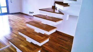 Revestimento em madeira para degrau de escada