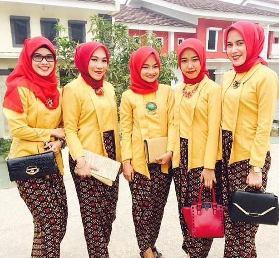 46 Tutorial Hijab Untuk Kebaya Kutu Baru Modern Kekinian Terbaru