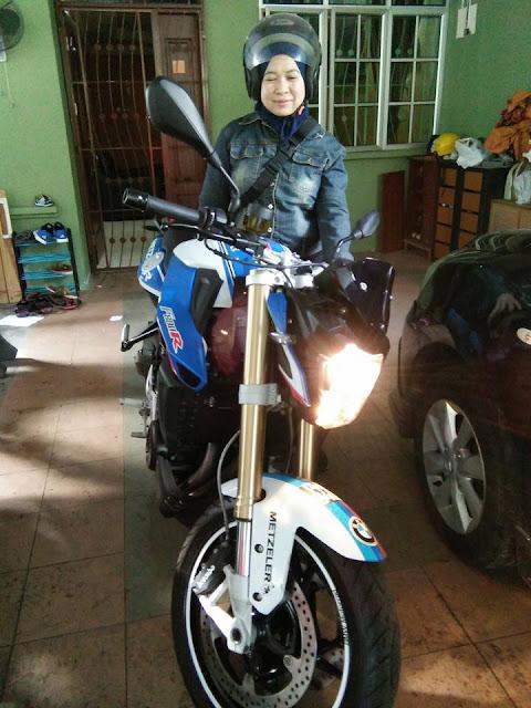 Ride, Nasi Lemak, Coconut Shakes & Budak Merajuk