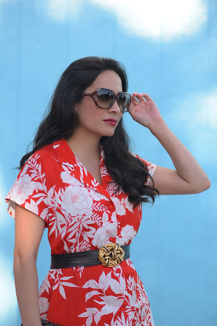 Joanna Joy A Stylish Love Story fashion blog Hawaiian Shirt Red and White Shirt White Jbrand Denim Gucci Bamboo Glasses petite fashion blogger California fashion blogger white jeans beaded black and gold evening bag blue wall
