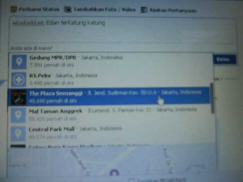 Update Status Terbaru Facebook Via Lokasi dan Map
