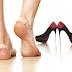 """Mẹo nhỏ tạm biệt """"đau nhức"""" chân khi đi giày cao gót"""