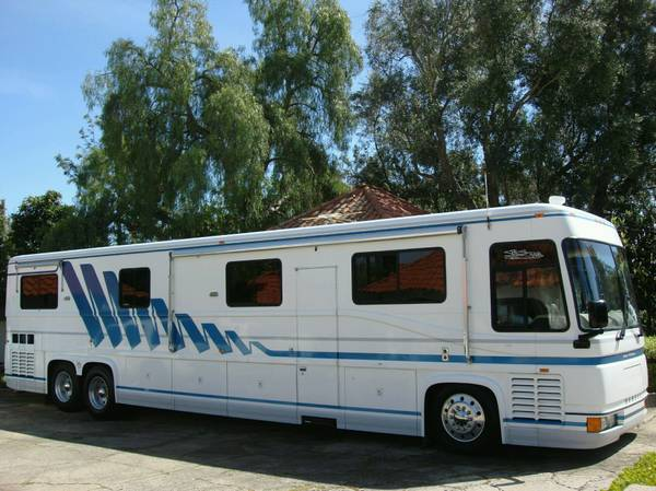 used rvs 1994 newell coach series 2000 diesel pusher for sale by owner. Black Bedroom Furniture Sets. Home Design Ideas